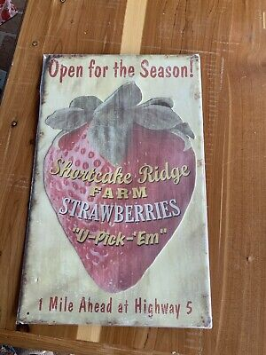 Strawberry Vintage Metal Tin Signs Retro Poster Farm Art Wall Decor Hanging