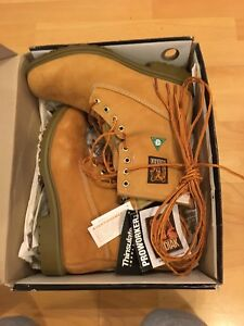 New in box Kodiac steel toe boots (Size 10 men's wide)