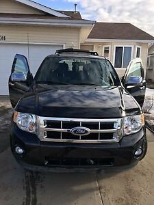 2010 Ford Escape 93k km only !!