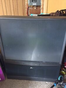 "48"" rear projection tv. Zenith"