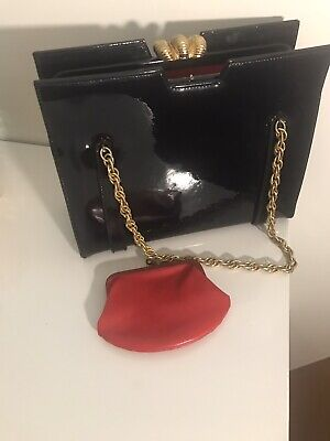 1940s Handbags and Purses History VINTAGE FRAMED BLACK PATENT LEATHER WOMENS HANDBAG 1940s-1950s $110.00 AT vintagedancer.com