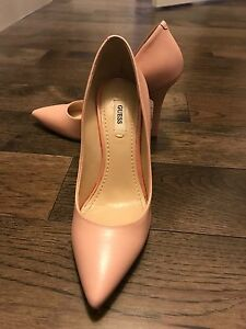 GUESS pink heels - size 5