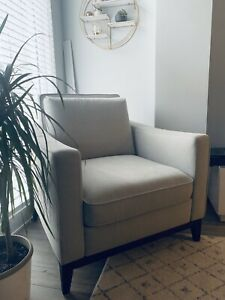 Miraculous Buy Or Sell A Couch Or Futon In Ottawa Furniture Kijiji Machost Co Dining Chair Design Ideas Machostcouk