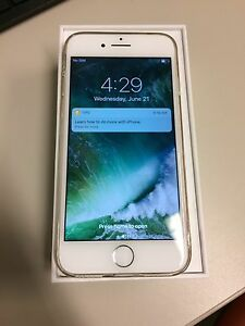 Like New Iphone 7 with Bluetooth Headphones