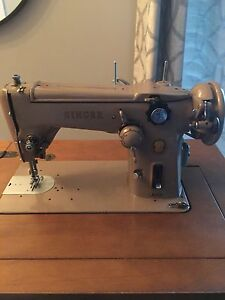 1958 Singer Sewing Machine w table! Works beautifully!