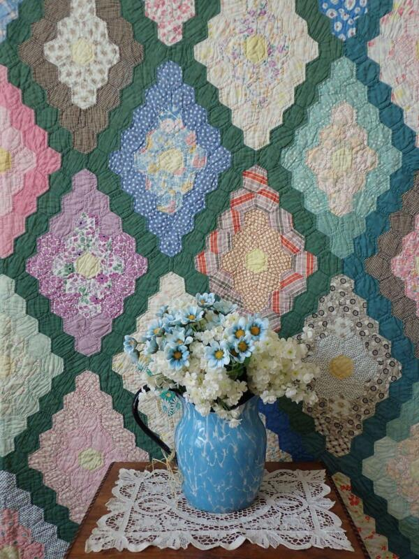 Vintage 30s Green Martha Washington Flower Garden Quilt 80x78