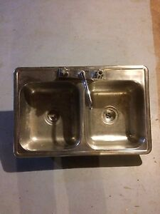 Double sink and sink and a half