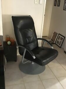 Black Swivel Reclinable Chair