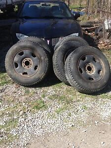6 bolt ford rims 5 intotal that includes spare