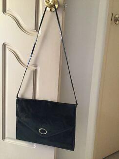 Ladies Large Shiny Black Handbag Conder Tuggeranong Preview