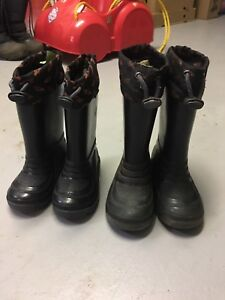 Lined rubber boots