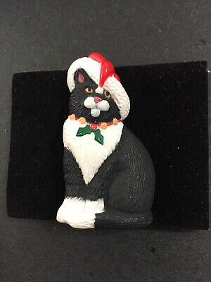 Hallmark black and white cat with Christmas decor 2 in tall by 1 in pin 9128