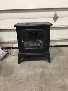 Small electric fireplace /heater