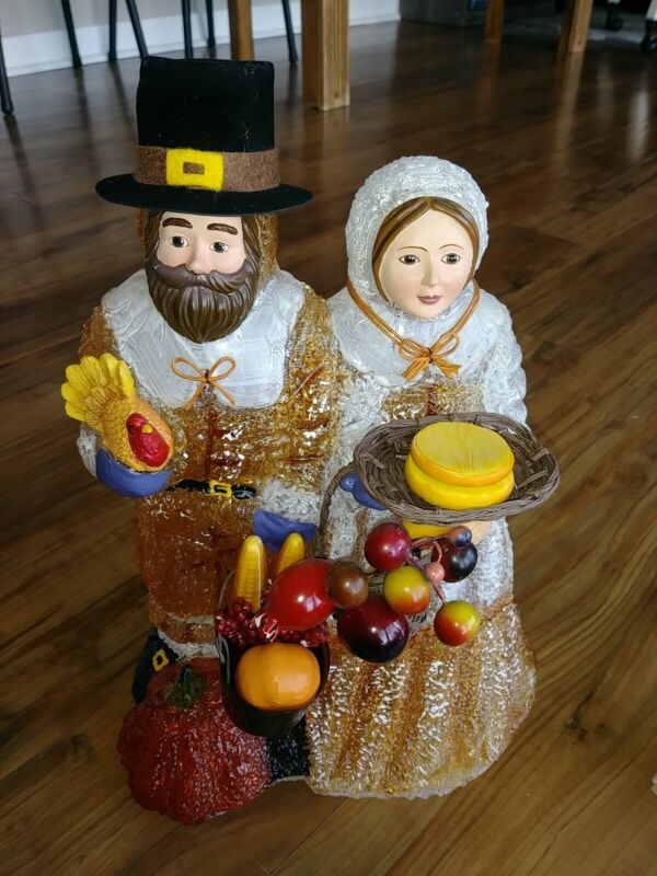 THANKSGIVING PILGRIM COUPLE ICED BLOW MOLD LAMP~GREAT WORKING CONDITION!