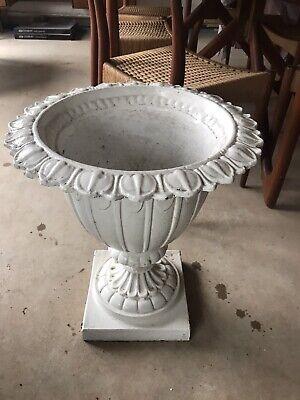Large Victorian 19th Century Cast Iron Garden Urn