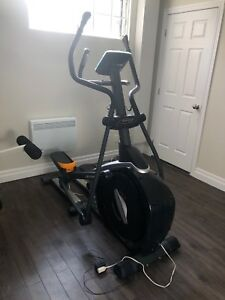 Elliptical sportop E5000 Excellent condition
