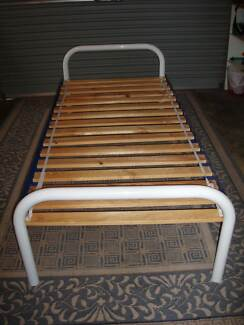 BED SINGLE FITS IN A SEDAN Stirling Stirling Area Preview