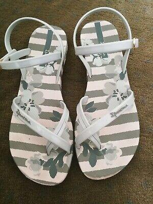 Ipanema summer Sandals green size 6 good condition