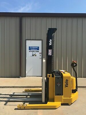 2006 Yale Walkie Stacker - Walk Behind Forklift - Straddle Lift Only 3541 Hours