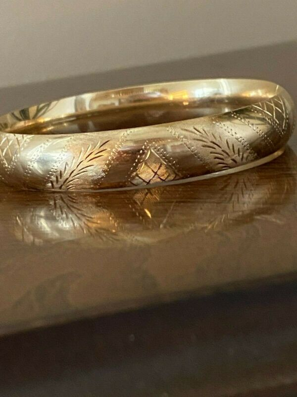 Vintage Estate 14K Gold Etched Bangle Bracelet Hinged Signed E Rine 12 Grams