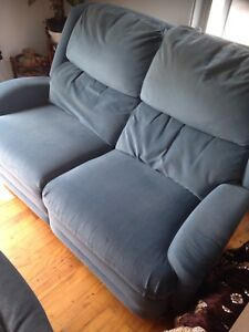 2 Grand divan inclinable 100$ chaque!
