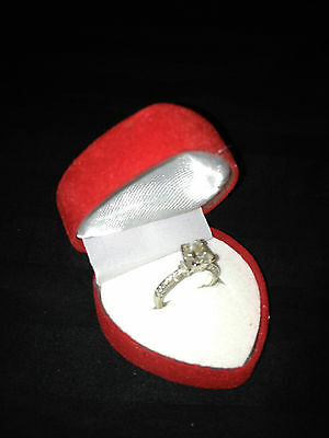 Romantic RED Velveteen PROMISE ENGAGEMENT RING Heart Shaped Jewelry Gift Box b12