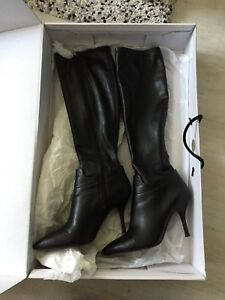 Nine West knee high boots 6.5 almost new