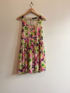 Reduced to sell! beautiful size 10 flowery summer dress Erskineville Inner Sydney Preview