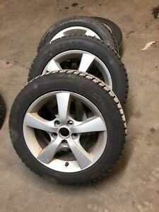 4 pneus 205-55-16 pour l'hiver, avec les mags 5x114.3