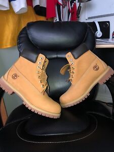 10 out of 10 condition timberlands