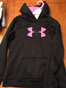 Yth XL under Armour sweaters