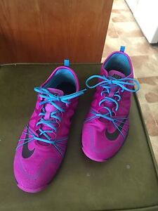 Nike cross trainers size 40.5 Stanthorpe Southern Downs Preview