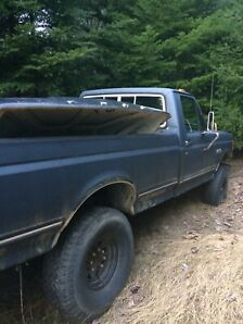 1989 Ford F-250 4x4  lifted