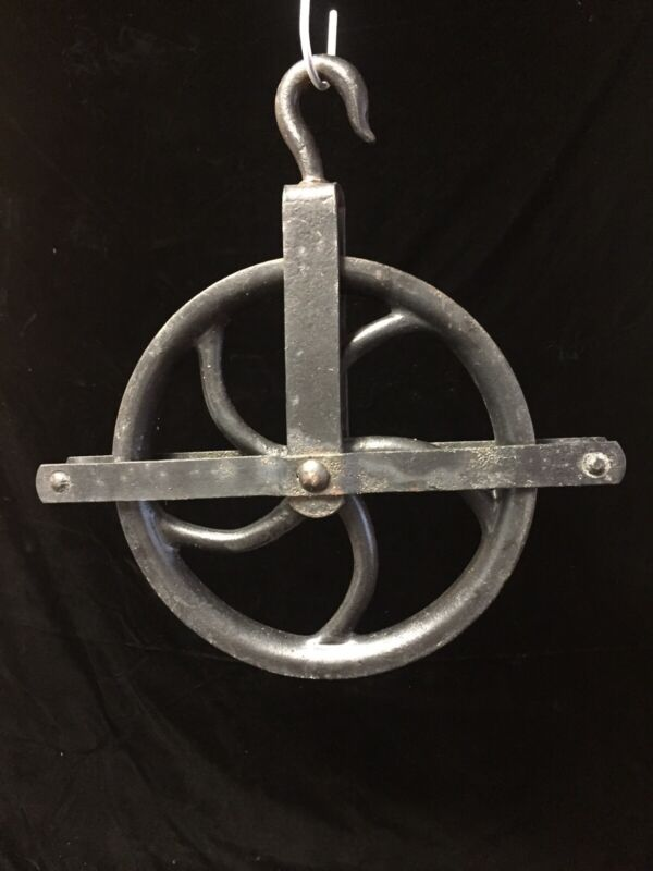 """ANTIQUE LARGE CAST IRON WELL PULLEY 12"""" WITH SWIVEL HOOK INDUSTRIAL FARM DECOR"""