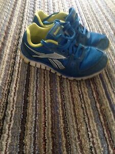 Reebok shoes youth 1.5