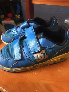 DC Velcro Sneakers - Size 9 (child)