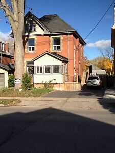 Old south on wortley Rd.Large 3 bedroom on upper