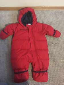 Columbia snowsuit baby 12 months located in Cumberland