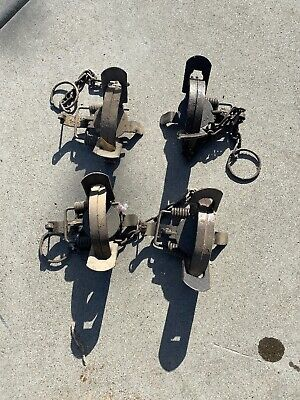 4 Vintage Pioneer Coil Spring Traps Sizes 1 1//2-3 Trapping Victor Newhouse