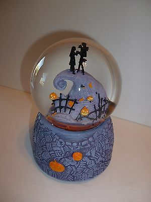 Nightmare Before Christmas Jack Skellington & Sally Musical snow globe