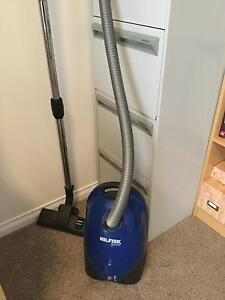 VACUUM CLEANER Paradise Campbelltown Area Preview