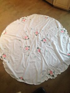 ****Round table cloth ***