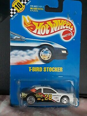1:64 HOT WHEELS 1990 COLLECTOR # 88 WHITE & BLACK T-BIRD STOCKER