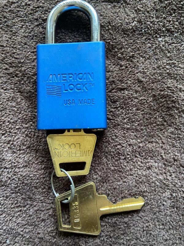 American Master Lock A1105BLU Blue Aluminum Padlock with 2 keys New Open Box.