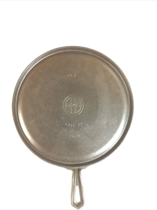 Vintage Cast Iron GRISWOLD #9  Handle Griddle 2039 With hammered finish