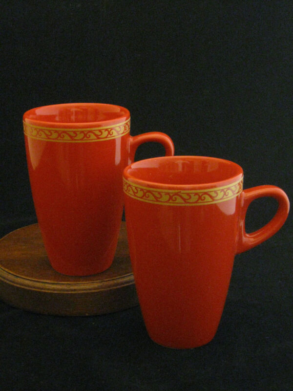 Set of 2 Holiday Festive Red and Gold Prints Ceramic Mugs NIOB