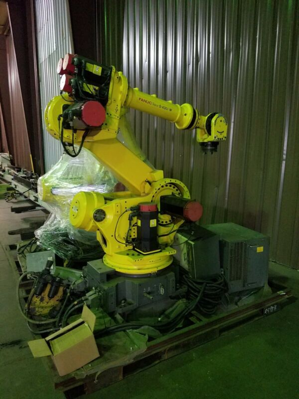 Fanuc S-430i W Robot