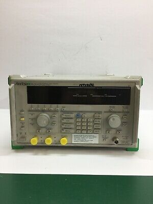 Synthesized Signal Generator Mg3641n Anritsu 125 Khz To 1040 Mhz