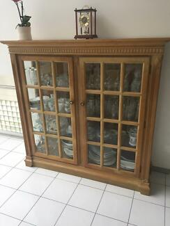 Top quality glass cabinet with internal light
