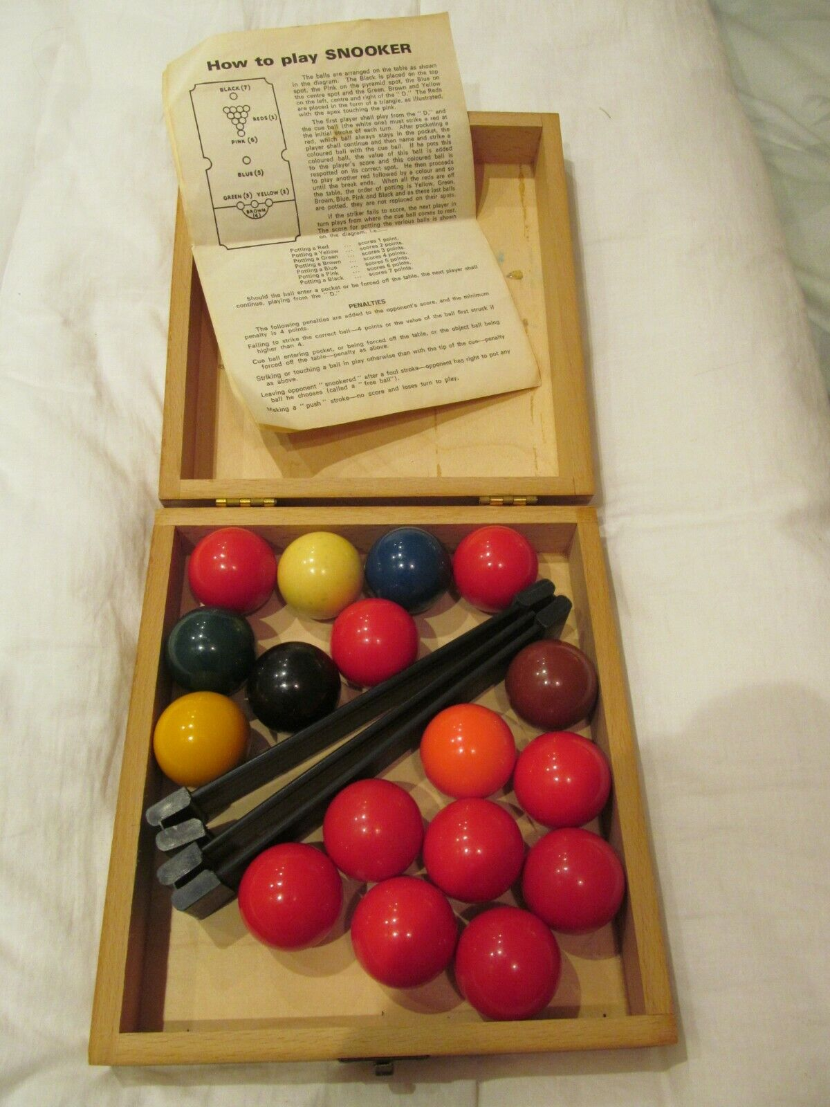 VINTAGE FULL SET OF SNOOKER BALLS 3.6cm in Wooden Box with Triangle and Rules